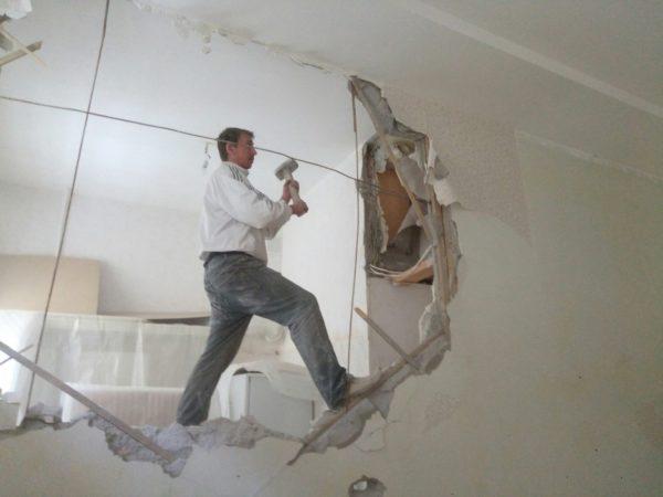 Демонтаж стен. Мастерлом
